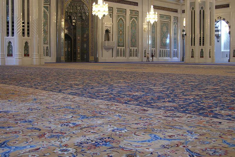 کارگاهی که بزرگترین فرش جهان را بافت؛ معطل نقدینگی